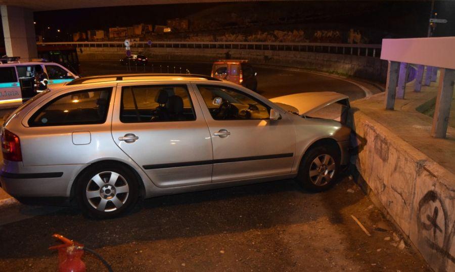 Dopravná nehoda v Bratislave 2.11.2017 na zjazde z mosta SNP, foto 1