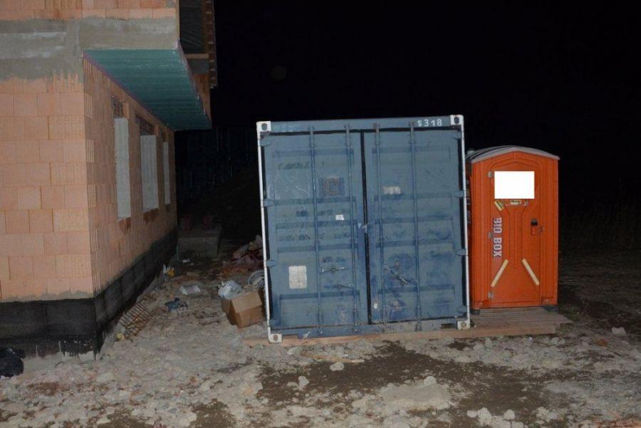 Zlodej sa ulakomil na náradie a agregát z kontajneru v Petržalke, škoda bola vyčíslená na 2 160 eur