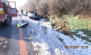 Dve dopravné nehody riešila polícia počas prvej decembrovej soboty  na diaľnici D1