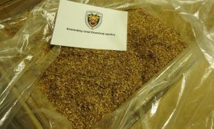 8,5 tony tabakovej sušiny našli colníci v Dúbravke počas prehliadky skladov