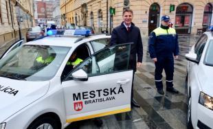 Mestská polícia dostala od mesta Bratislava nové vozidlá na zefektívnenie ich služby