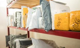 Colníci preverujú denne 45 000 zásielok z Číny a mimoeurópskych krajín, vaše zásielky môžu meškať