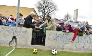 V Ivanke pri Dunaji otvorili nové ihrisko v areáli Základnej školy M.R. Štefánika