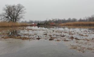 Hasiči a potápači prehľadávajú Devínske jazero, spolu s políciou pátrajú po nezvestnej Miroslave