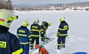 Na odbornom výcviku dobrovoľných hasičov v Lešti sa zúčastnili aj členovia DHZ z Rusoviec a Ružinova
