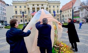 Kraslica od srdca je unikátny darček až z Chorvátska a zdobí Hviezdoslavovo námestie v Bratislave