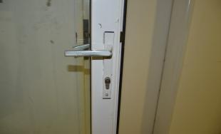 42-ročný muž sa vlámal do budovy a ukradol odtiaľ kuchynské príslušenstvo za 900 eur